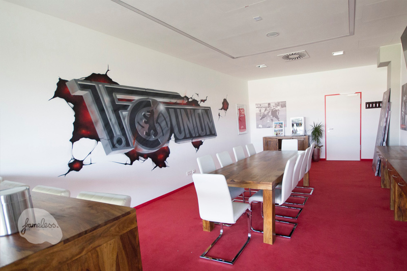 Wandgestaltung union berlin, wandmalerei, innenraumdesign, Frameless-studio, 1.Fc Union Berlin, Kreativagentur, graffitiauftrag, graffitikünstler, airbrush